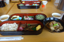 1711ryoko_yamadera_lunch